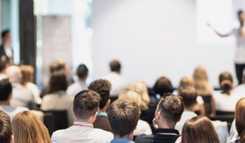 Rhetorik Seminar 2: Überzeugend auftreten und brillant reden (Aufbauseminar)